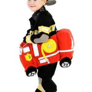 Fantasia Infantil Passeando em um Caminhão de Bombeiros RIDE IN A FIRE TRUCK
